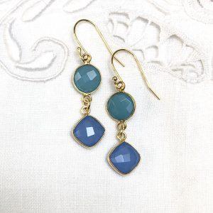 Shine ørehængere med blå sten, forgyldt sølv, design Lene Kjølner
